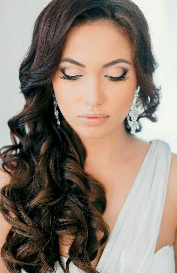 frizura valovita kovrcava vjencanje posebne prilike smeđa